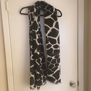 Black and white Giraffe Print scarf